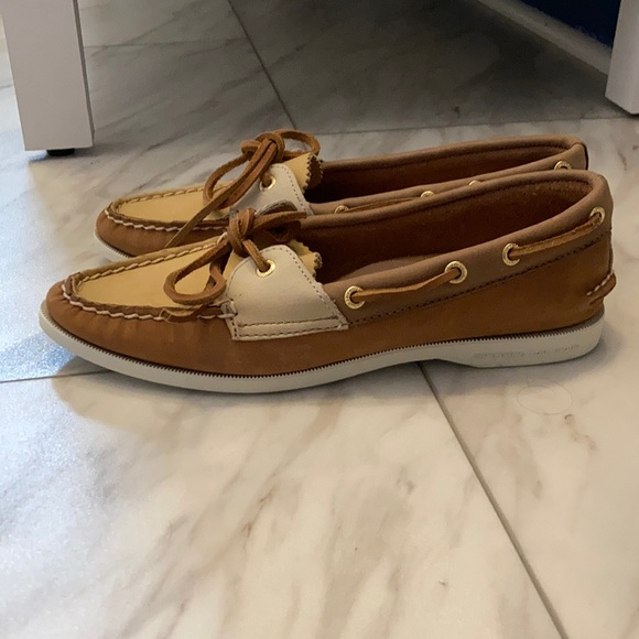 Brand New Sperry Leather Shoes